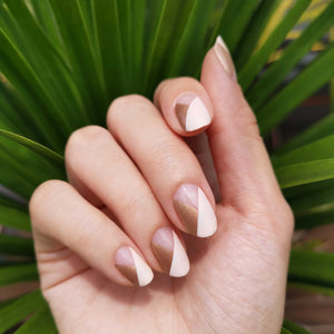 Buy Alyssa Allure Nail Wraps at the lowest price in Singapore from NAILWRAP.CO. We Ship Worldwide. Over 300 designs! Instant designer nail art under 10 minutes