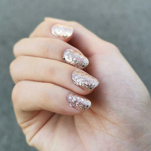Buy Classic Bijou Gold (Glitter) Nail Polish Wraps at the lowest price in Singapore from NAILWRAP.CO. Worldwide Shipping. Instant designer nail art manicure in under 10 minutes.
