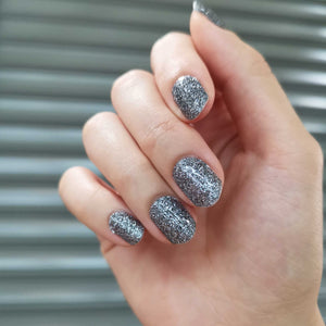 Buy Classic Dark Silver Glitter Nail Polish Wraps at the lowest price in Singapore from NAILWRAP.CO. Worldwide Shipping. Instant designer nail art manicure in under 10 minutes.