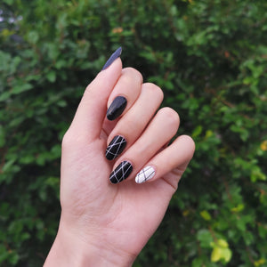 Buy Line By Line Nail Polish Wraps at the lowest price in Singapore from NAILWRAP.CO. Worldwide Shipping. Instant designer nail art manicure in under 10 minutes.