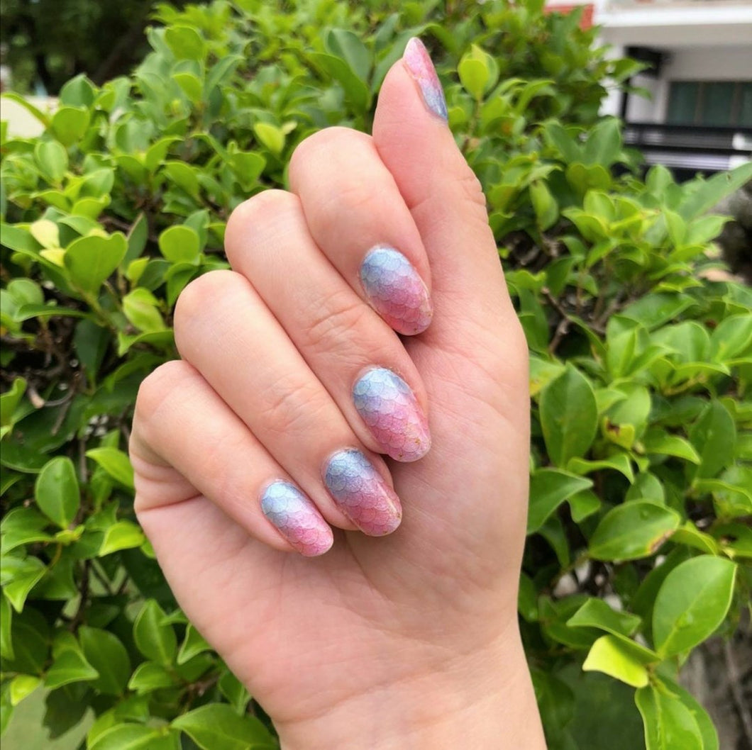 Buy Oceana 🧜🏻‍♀️ Nail Polish Wraps at the lowest price in Singapore from NAILWRAP.CO. Worldwide Shipping. Instant designer nail art manicure in under 10 minutes.