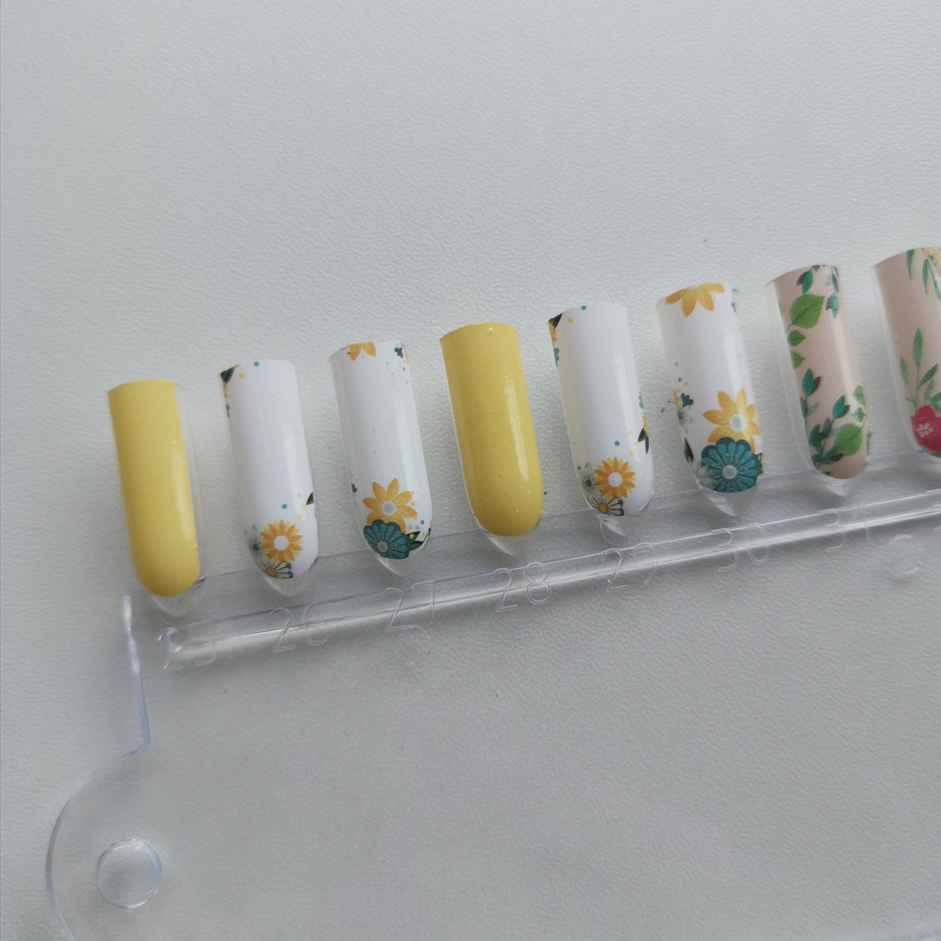 Buy Cheery Sunflower 🌻 Nail Polish Wraps at the lowest price in Singapore from NAILWRAP.CO. Worldwide Shipping. Instant designer nail art manicure in under 10 minutes.