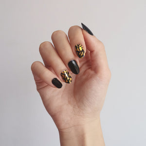 Buy Enya Gold Fragment Nail Polish Wraps at the lowest price in Singapore from NAILWRAP.CO. Worldwide Shipping. Instant designer nail art manicure in under 10 minutes.
