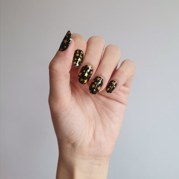 Buy Starry Starry Night Nail Polish Wraps at the lowest price in Singapore from NAILWRAP.CO. Worldwide Shipping. Instant designer nail art manicure in under 10 minutes.