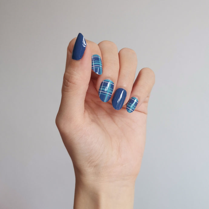 Buy Blue Plaid Nail Polish Wraps at the lowest price in Singapore from NAILWRAP.CO. Worldwide Shipping. Instant designer nail art manicure in under 10 minutes.