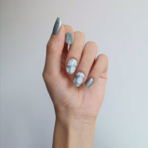 Buy Daisy Overlay 🌼 Nail Polish Wraps at the lowest price in Singapore from NAILWRAP.CO. Worldwide Shipping. Instant designer nail art manicure in under 10 minutes.