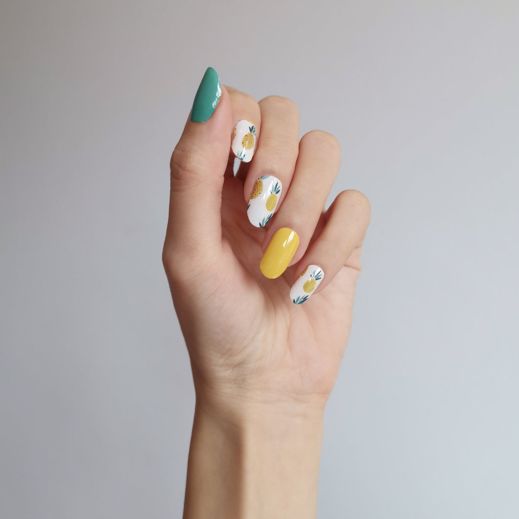 Buy Piña Colada 🍍🍹 Nail Wraps at the lowest price in Singapore from NAILWRAP.CO. We Ship Worldwide. Over 300 designs! Instant designer nail art under 10 minutes