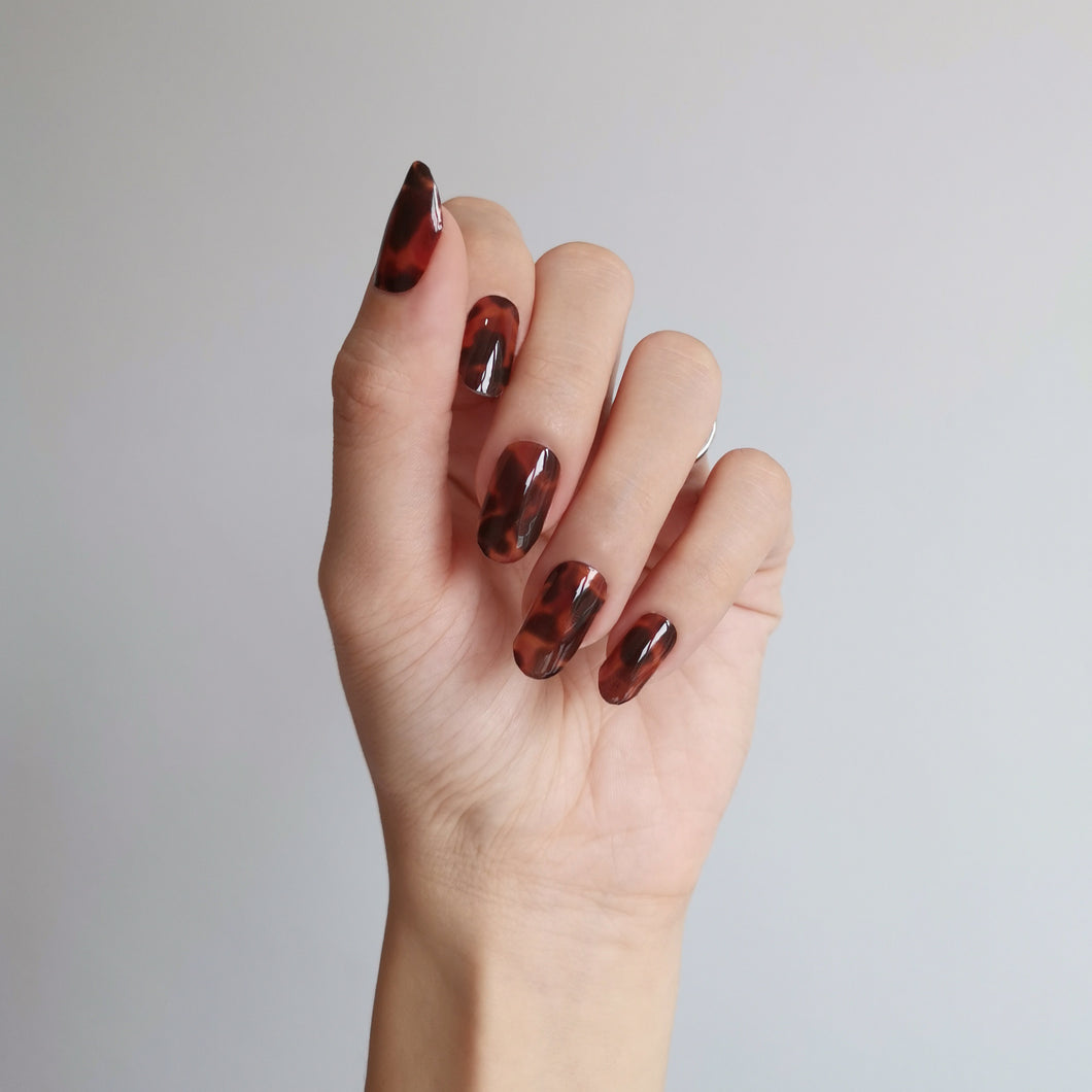 Buy Tortoise Shell Nail Polish Wraps at the lowest price in Singapore from NAILWRAP.CO. Worldwide Shipping. Instant designer nail art manicure in under 10 minutes.