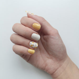 Buy Lauryn Lemon 🍋 Nail Polish Wraps at the lowest price in Singapore from NAILWRAP.CO. Worldwide Shipping. Instant designer nail art manicure in under 10 minutes.