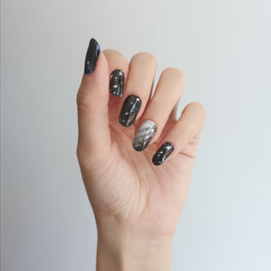 Buy Shine Like A Star 🌠 Nail Polish Wraps at the lowest price in Singapore from NAILWRAP.CO. Worldwide Shipping. Instant designer nail art manicure in under 10 minutes.