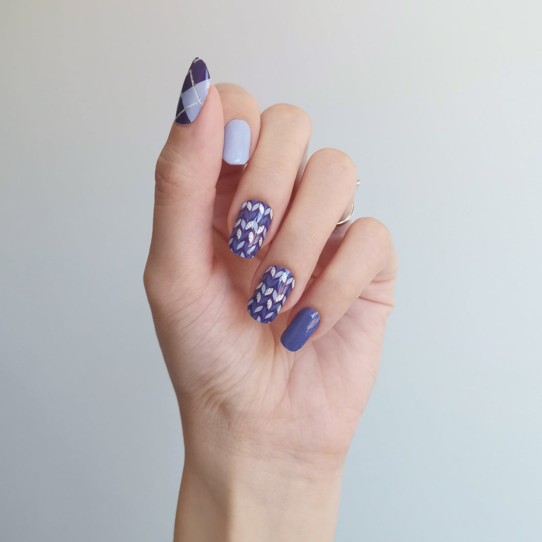 Buy Sweater Weather Nail Polish Wraps at the lowest price in Singapore from NAILWRAP.CO. Worldwide Shipping. Instant designer nail art manicure in under 10 minutes.