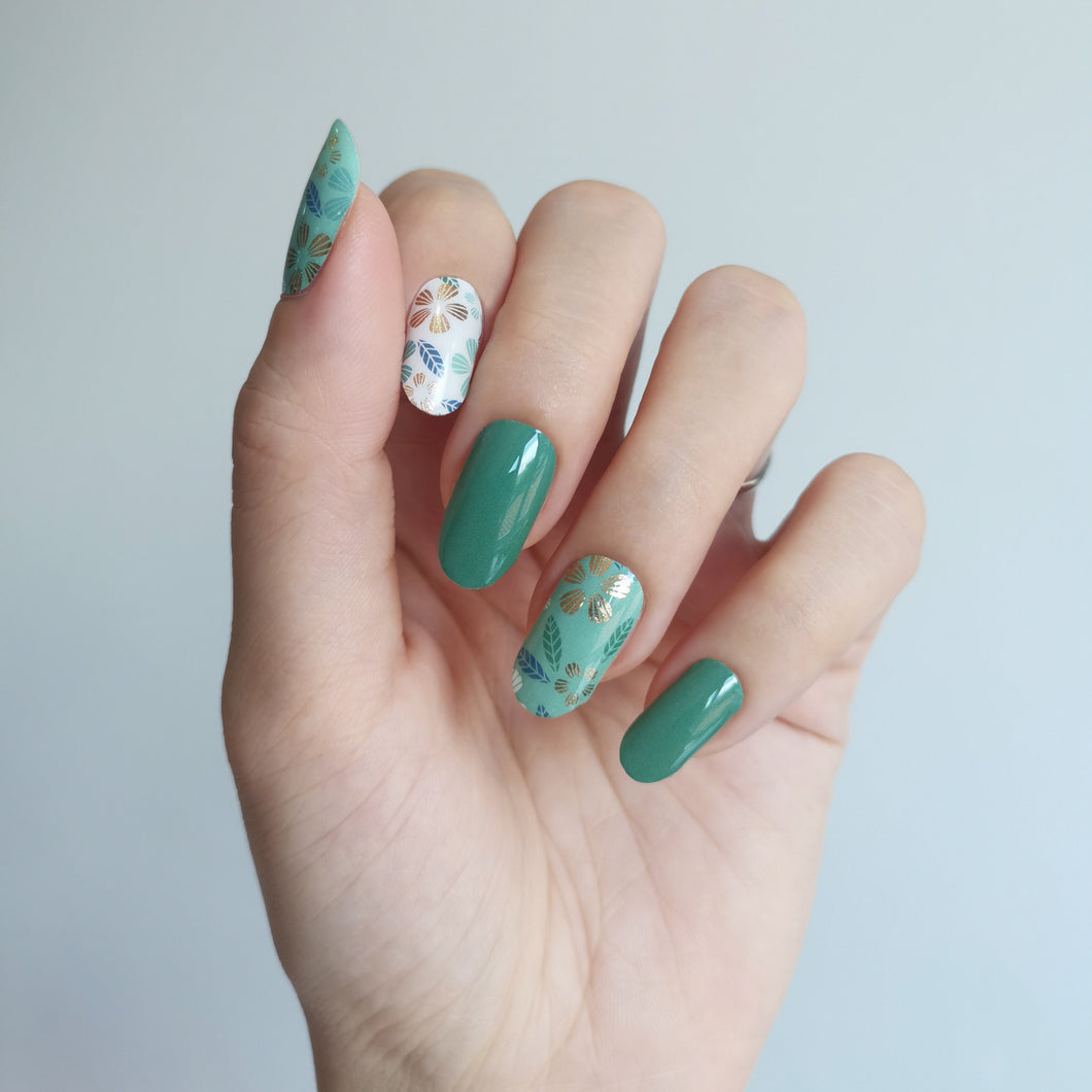 Buy Carolina Green Nail Polish Wraps at the lowest price in Singapore from NAILWRAP.CO. Worldwide Shipping. Instant designer nail art manicure in under 10 minutes.