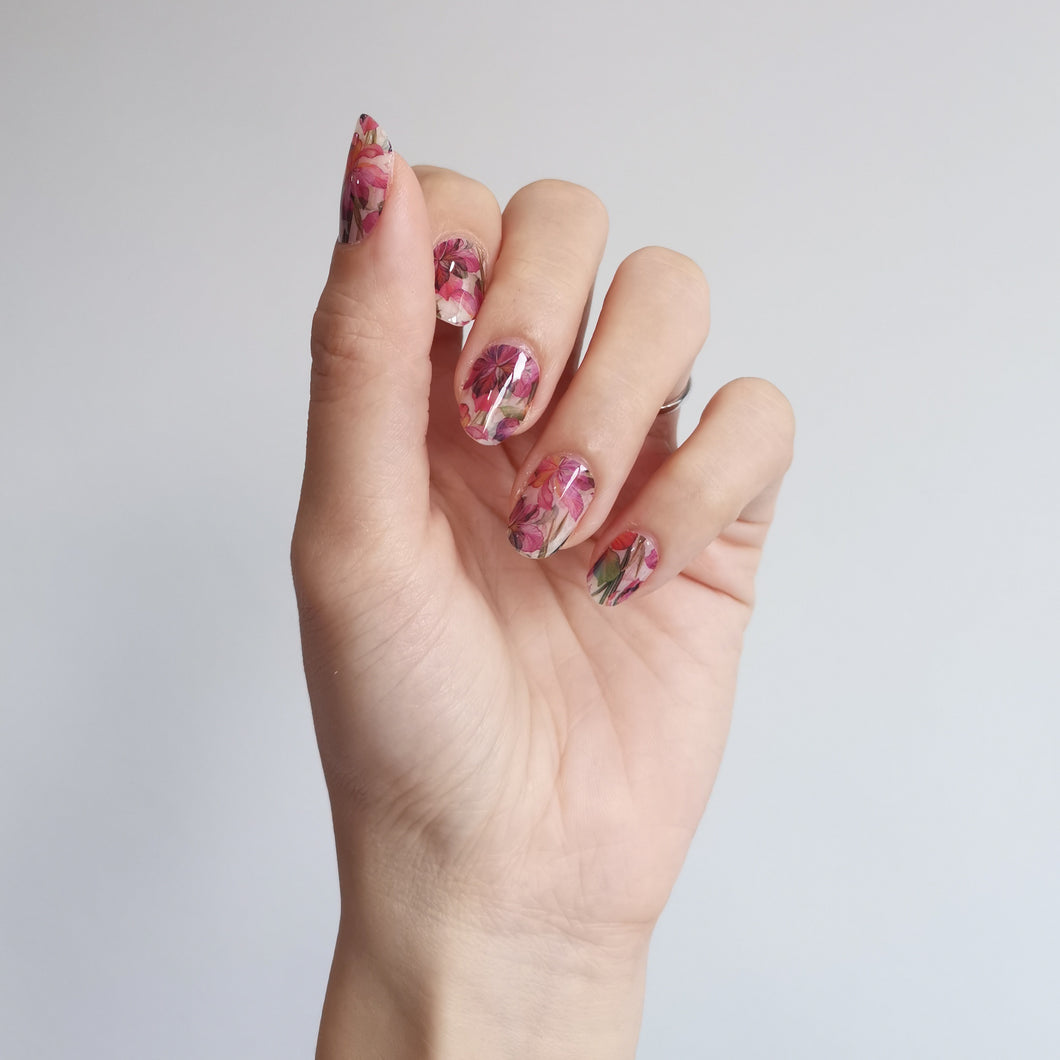 Buy Verena Floral Nail Polish Wraps at the lowest price in Singapore from NAILWRAP.CO. Worldwide Shipping. Instant designer nail art manicure in under 10 minutes.
