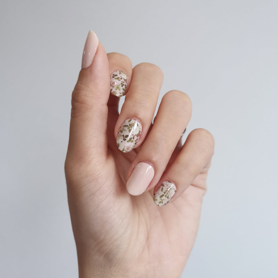 Buy English Rose Nail Polish Wraps at the lowest price in Singapore from NAILWRAP.CO. Worldwide Shipping. Instant designer nail art manicure in under 10 minutes.