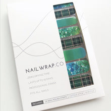 Load image into Gallery viewer, Buy Green Plaid Nail Polish Wraps at the lowest price in Singapore from NAILWRAP.CO. Worldwide Shipping. Instant designer nail art manicure in under 10 minutes.
