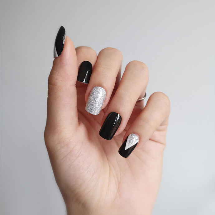 Buy Crystal Black Nail Polish Wraps at the lowest price in Singapore from NAILWRAP.CO. Worldwide Shipping. Instant designer nail art manicure in under 10 minutes.