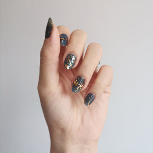 Buy Perfect Storm Nail Polish Wraps at the lowest price in Singapore from NAILWRAP.CO. Worldwide Shipping. Instant designer nail art manicure in under 10 minutes.