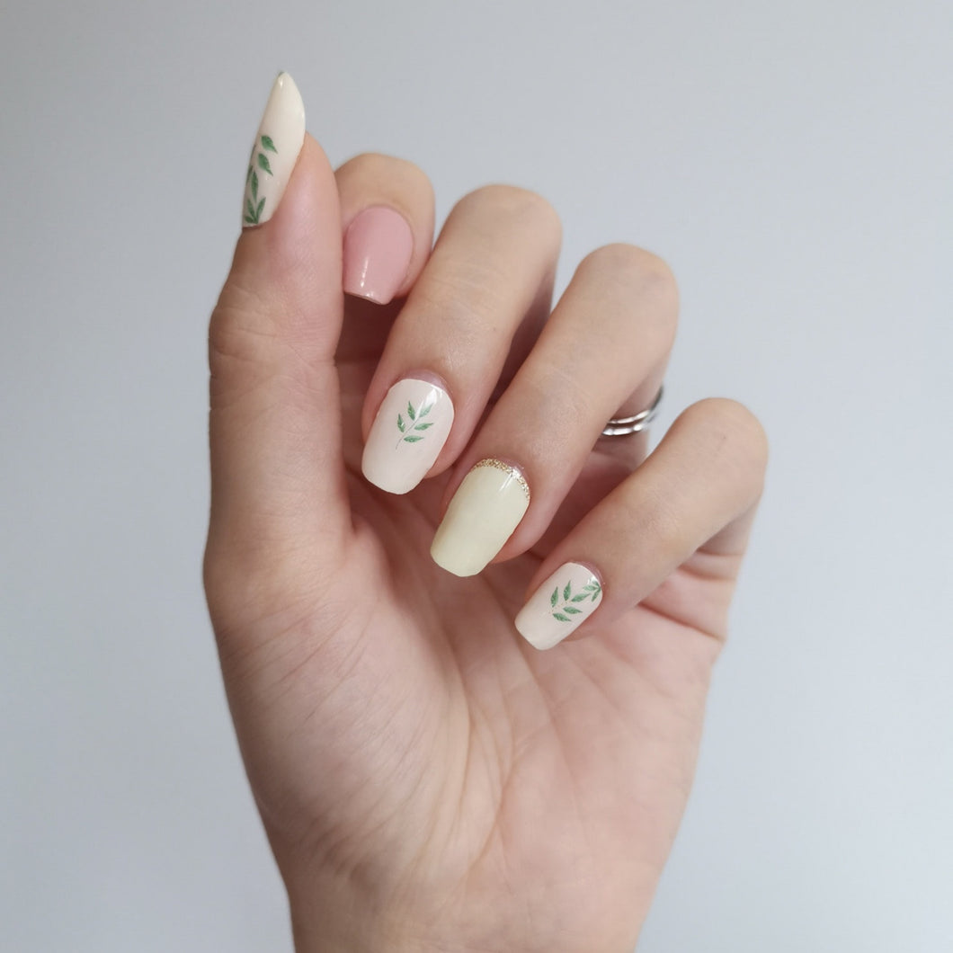 Buy A Little Green 🌿 Nail Polish Wraps at the lowest price in Singapore from NAILWRAP.CO. Worldwide Shipping. Instant designer nail art manicure in under 10 minutes.