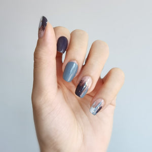 Buy Déjà Blue Nail Polish Wraps at the lowest price in Singapore from NAILWRAP.CO. Worldwide Shipping. Instant designer nail art manicure in under 10 minutes.
