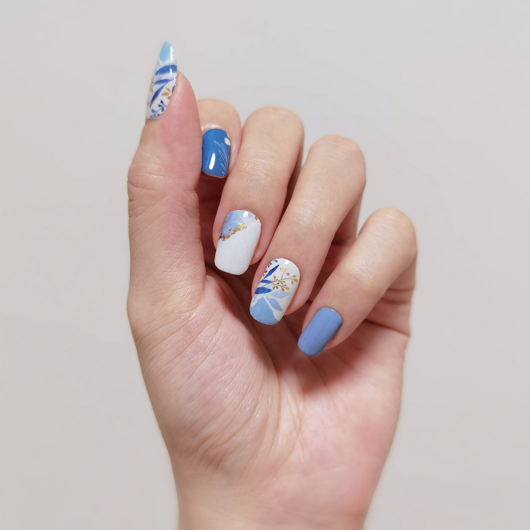 Buy Juniya Leaves Nail Polish Wraps at the lowest price in Singapore from NAILWRAP.CO. Worldwide Shipping. Instant designer nail art manicure in under 10 minutes.