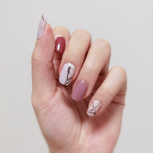 Buy Casual Elegance Nail Polish Wraps at the lowest price in Singapore from NAILWRAP.CO. Worldwide Shipping. Instant designer nail art manicure in under 10 minutes.