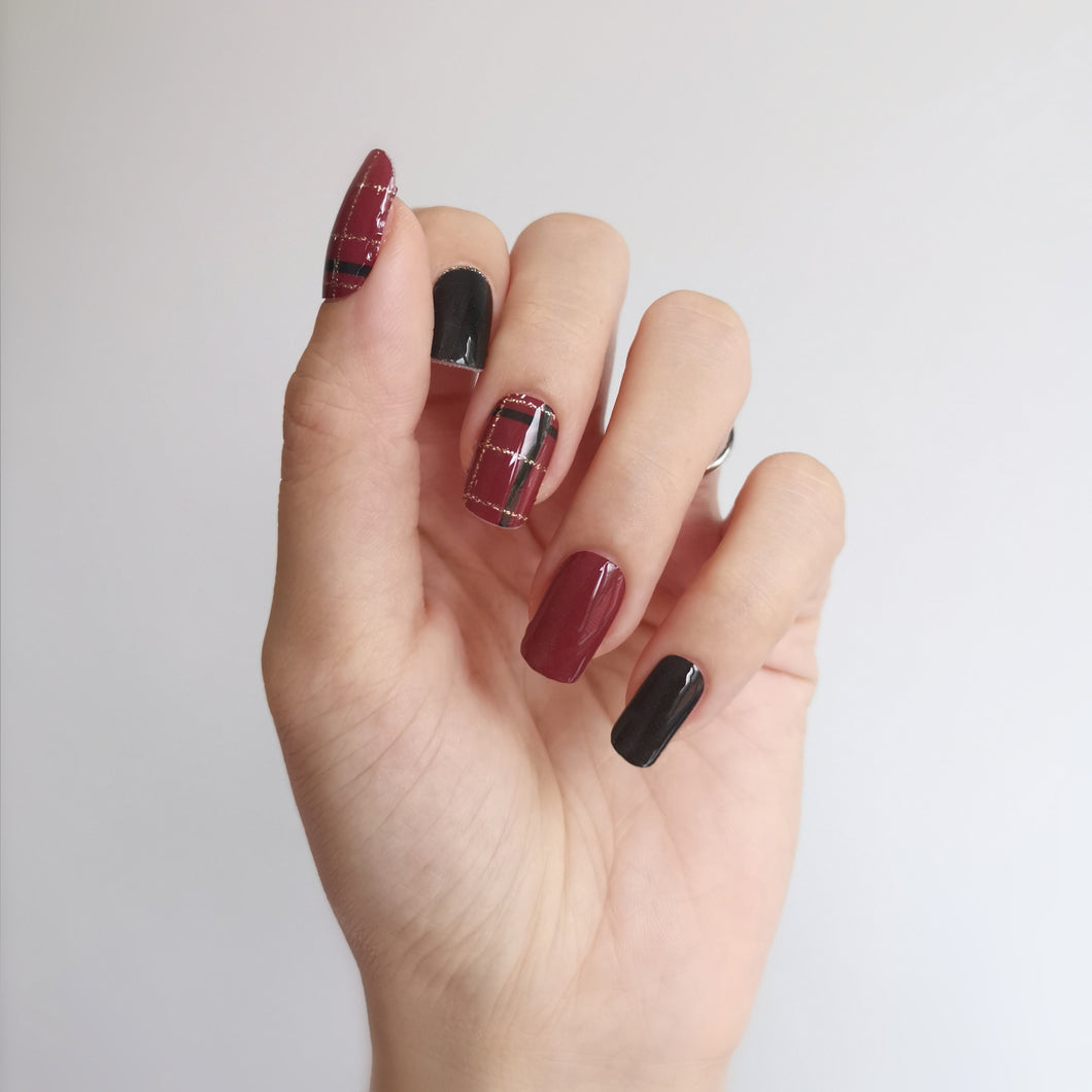 Buy Classic Plaid Nail Polish Wraps at the lowest price in Singapore from NAILWRAP.CO. Worldwide Shipping. Instant designer nail art manicure in under 10 minutes.