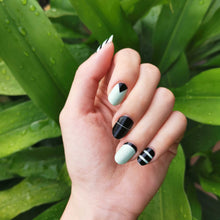 Load image into Gallery viewer, Buy Tessa Stripe Nail Polish Wraps at the lowest price in Singapore from NAILWRAP.CO. Worldwide Shipping. Instant designer nail art manicure in under 10 minutes.