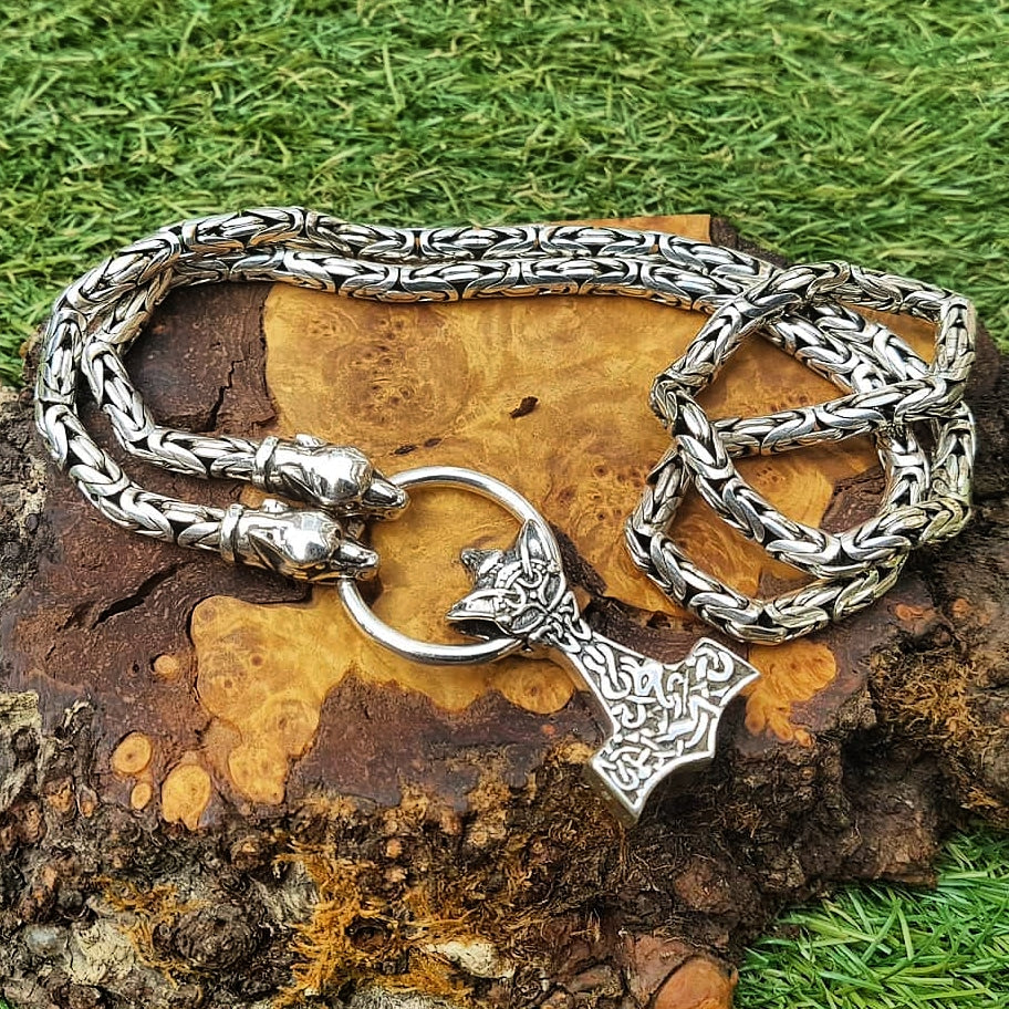 Silver King Chain Thor's Hammer Necklace with Ferocious Wolf Heads and Wolf Hammer