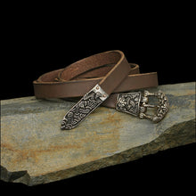 Load image into Gallery viewer, High Status Viking Belt with Bronze Gripping Beast Fittings