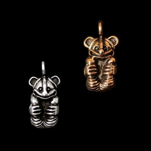 Gripping Bear Pendant - Viking Pendants