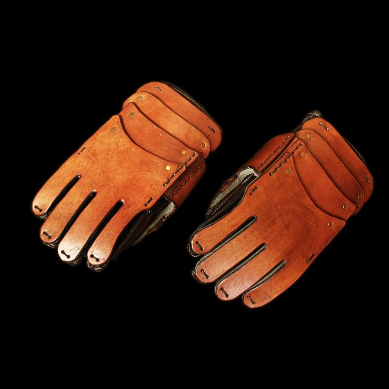 Thick Leather Reenactment Gauntlets