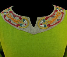 Load image into Gallery viewer, Green Wool Viking Women's Dress Collar with Wool Embroidery