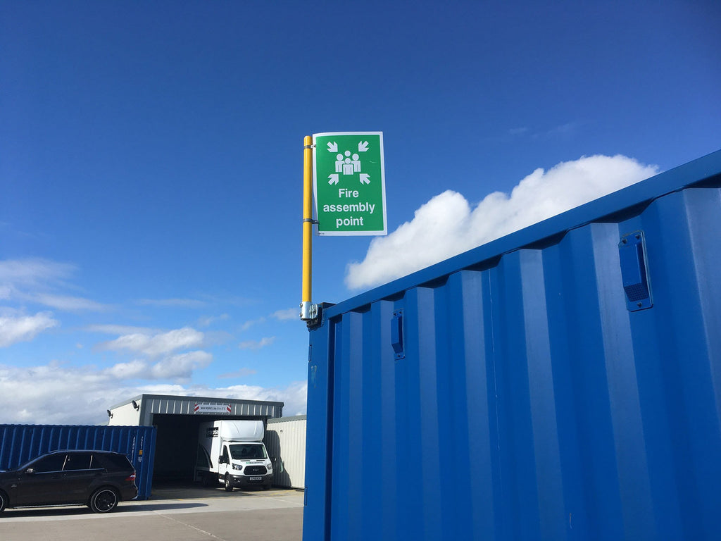 Flag/Sign on Shipping Container attached with Palm Railing Tube Clamp - Undrilled 48mm with Domino Clamp