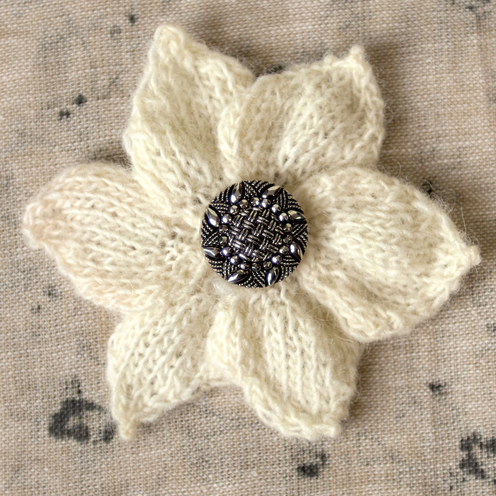 Flower Petal Brooch Knitting Kit