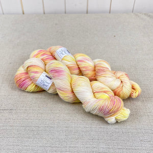 Hand Dyed Merino/Silk Luxury 4ply - Honeysuckle