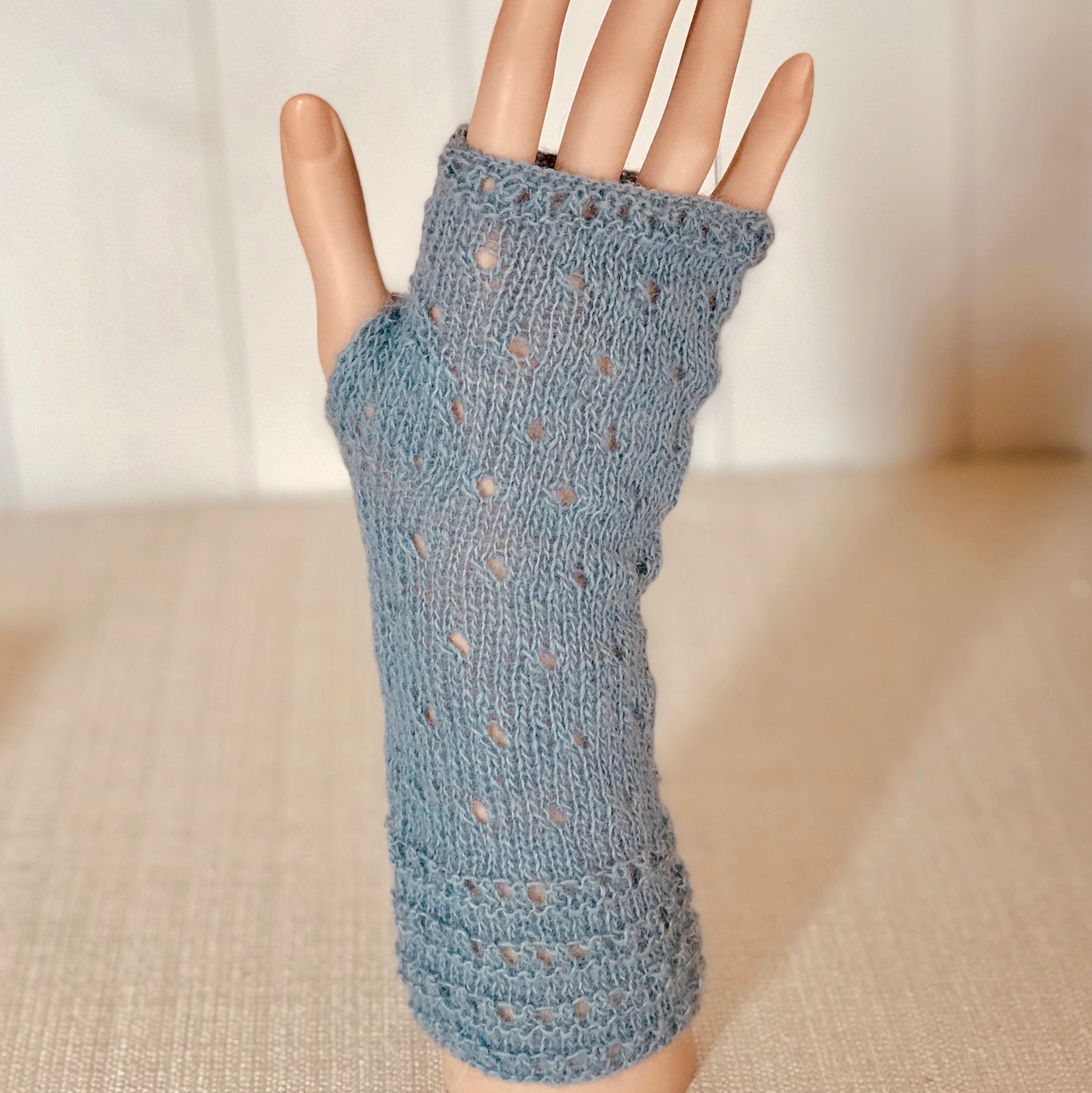 Runched Eyelet Lace Hand Warmers Knitting Kit