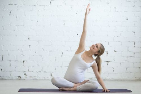 Stretching to relieve back pain in pregnancy