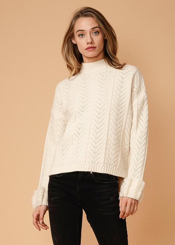 FRINGE TURTLE NECK SWEATER