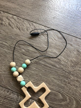 Load image into Gallery viewer, Teething Necklace with Large Pendant
