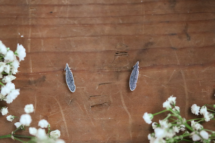 Fly Feather Studs