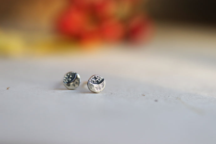 Luna Light Studs