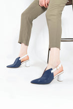 Load image into Gallery viewer, Kat Sling Back Pumps Bluewhite