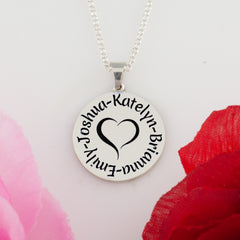 Mother's necklace with children's names
