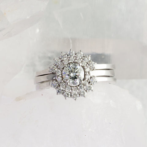 diamond halo engagement ring round cut