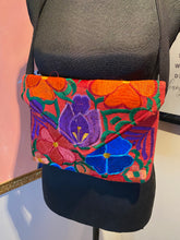 Load image into Gallery viewer, Floral Fabric Clutch