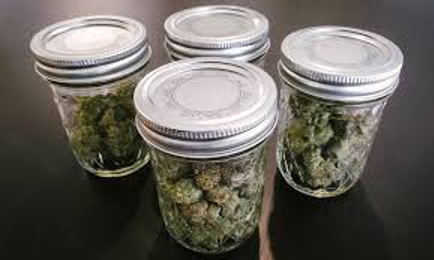 weed jar to store cannabis without smell by El Capitan