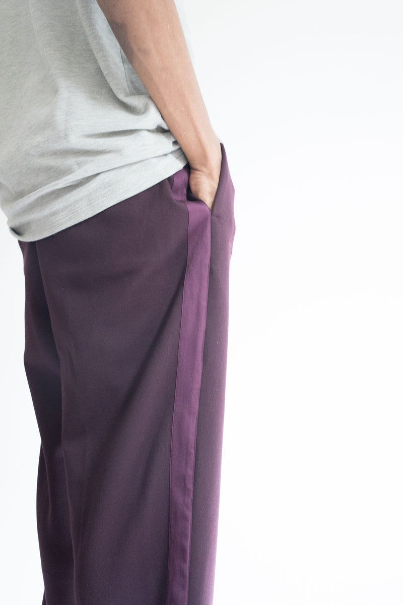 Grosgrain Bungee Pant in Wine with Wine Details