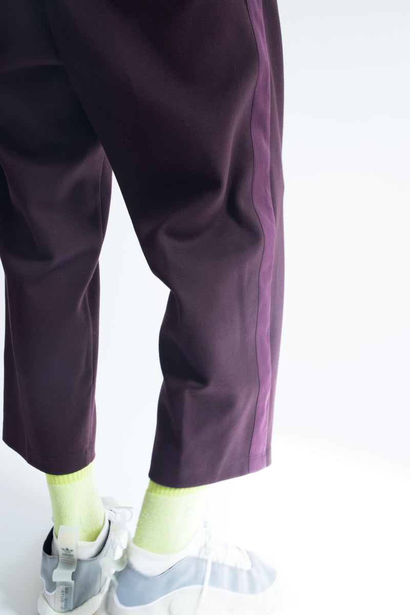 Grosgrain Crop Pant in Wine with Wine Details