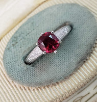 Vintage engraved c.20s solitaire Spinel Ring