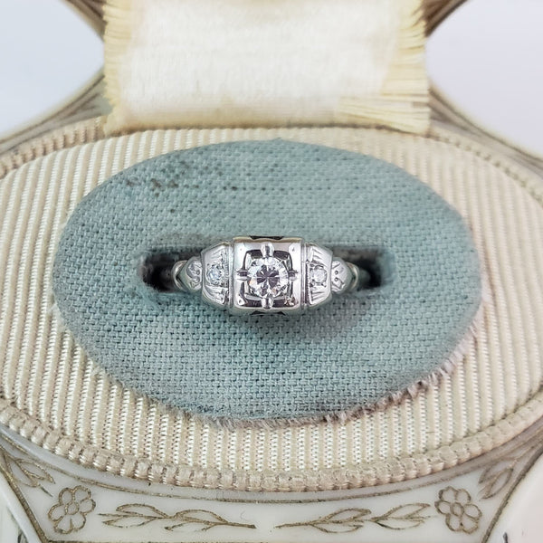 18k white gold Deco c.30s diamond ring